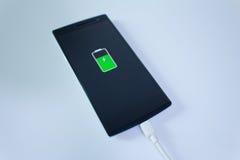 Mobilnego mądrze telefonu bateryjny ładunek Obrazy Royalty Free