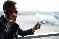 Mobilny biznesmen Zdjęcie Royalty Free