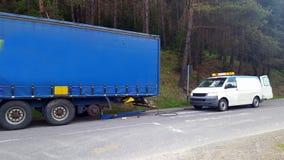 Mobilny opony dopasowania sklep dla ciężarówki fotografia stock