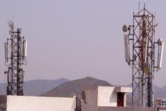 Mobilstations-Empfangsantenne-Turm Lizenzfreie Stockbilder