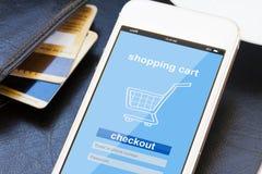 Mobilt shoppingbegrepp Arkivfoton