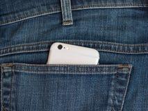 mobilt telefonfack för jeans Arkivbild