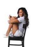 mobiltelefon genom att använda kvinnabarn royaltyfria foton
