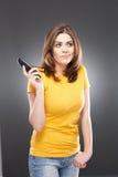 mobiltelefon genom att använda kvinnan Royaltyfri Fotografi