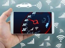 Mobiltelefoninternethastighet och hand - rymt telefonbegrepp med blå bakgrund royaltyfri bild