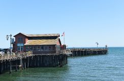 Moby Dick Restaurant på den Stearns hamnplatsen, envänskapsmatch eatery arkivfoton