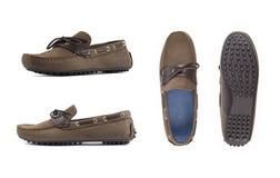 Moccasins людей коричневые, loafers изолировали белую предпосылку Взгляд со стороны, взгляд сверху и подошва стоковые фотографии rf