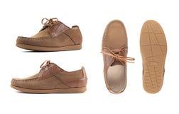 Moccasins людей коричневые, loafers изолировали белую предпосылку Взгляд со стороны, взгляд сверху и подошва стоковые фото