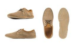 Moccasins людей коричневые, loafers изолировали белую предпосылку Взгляд со стороны, взгляд сверху и подошва стоковые изображения rf