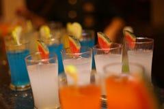 Mocktail ed i frullati è popolari con la gente che ama sano e deve rinfrescare fotografia stock libera da diritti