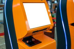 Free Mockup Airport Self Check-in Device With Blank White Screen. Self Service Machine And Help Desk Kiosk At Airport For Check In, Royalty Free Stock Photos - 218061688