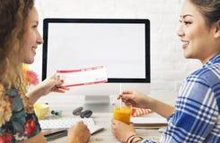 Mockup Copyspace Kredytowej karty zapłaty Online pojęcie fotografia royalty free
