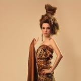 Modèle attrayant de fille de cheveu de mode Image stock