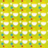 Modèle avec des poussins de Pâques Photos stock