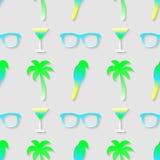 Modèle avec les lunettes de soleil, le cocktail, le perroquet et le palmier Image libre de droits