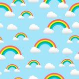 Modèle avec un arc-en-ciel et des nuages Photographie stock libre de droits