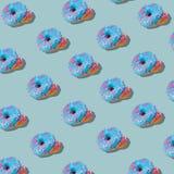 Modèle bleu de beignet vitré sur le fond en pastel bleu Concept créateur illustration stock