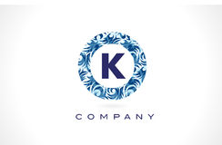 Modèle bleu Logo Design de la lettre K illustration stock
