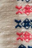 Modèle brodé sur le tissu de coton Image libre de droits