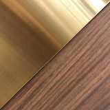 Modèle carré métallique d'or et en bois Photo libre de droits
