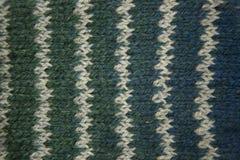 Modèle coloré aïe chaussettes fabriquées à la main d'une laine Habillement naturel Image stock