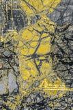 Modèle coloré et abstrait de minerai dans un micrographe de polarisation photo libre de droits