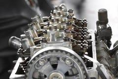 Modèle coupé d'isolement d'un moteur de véhicule Photo stock