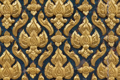 Modèle découpé par bois thaïlandais antique d'art traditionnel Photos stock