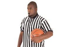 Modèle d'afro-américain dans l'uniforme d'arbitre de basket-ball Photos libres de droits