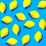 Modèle de citron sur le fond bleu Photos libres de droits