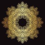 Modèle de dentelle d'or sur un fond noir Photos stock
