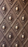Modèle de fer sur la vieille porte Images libres de droits