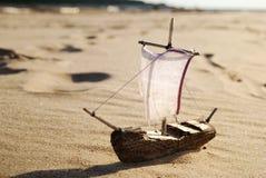 Modèle de jouet de bateau Photographie stock