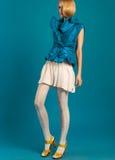 Modèle de mode dans le studio photos libres de droits