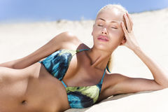Modèle de mode de bikini Photo libre de droits