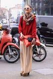 Modèle de mode de ville de rue de Milan Photos libres de droits