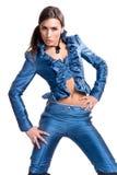 Modèle de mode en satin bleu photo stock