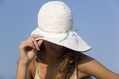 Modèle de mode sur la plage Image stock