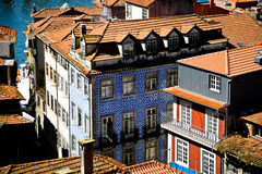 Modèle de mosaïque sur des maisons de Lisbonne Photos libres de droits