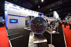 Modèle de moteur de Rolls Royce Trent XWB sur l'affichage à Singapour Airshow Photo stock