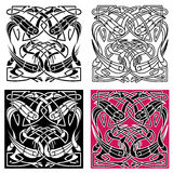 Modèle de noeud celtique avec des oiseaux de héron Photo stock