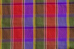 Modèle de plan rapproché et texture du thailandais de tissu de contrôle de plaid de pagne images libres de droits