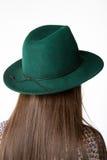 Modèle de port de chapeau Photographie stock libre de droits