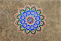 Modèle de Rangoli sur le plancher Photo stock