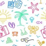 Modèle de vacances d'été avec différentes icônes de voyage dans le style linéaire Images stock