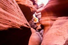 Modèle de vague en pierre orange de canyon inférieur d'antilope en page Arizona Etats-Unis Image stock