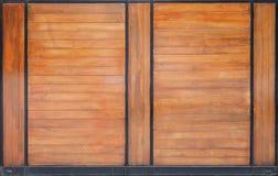 Modèle en bois avec la ligne en acier noire Photo stock