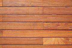 Modèle en bois de barrière de decking de teck de tenue de protection individuelle Image libre de droits