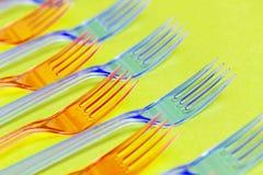 Modèle en plastique de fourchettes Idée minimale de concept d'écologie verte photo libre de droits