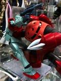 Modèle en plastique du costume RGM-79 de comète rouge mobile de GM et de MSM-07 Zugock photo stock